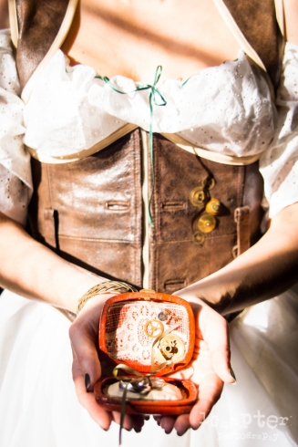 steampunk-styled-wedding-by-1chapter-photography-9